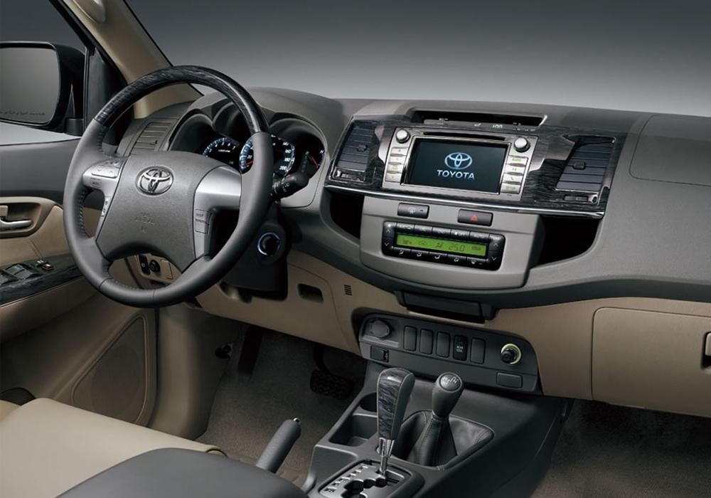 Toyota Hilux 86140-0K411
